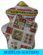 Bandeja de Plástico Navideña x 12 Und.  Medidas : 22 x 25 x 5 cm Aprox.